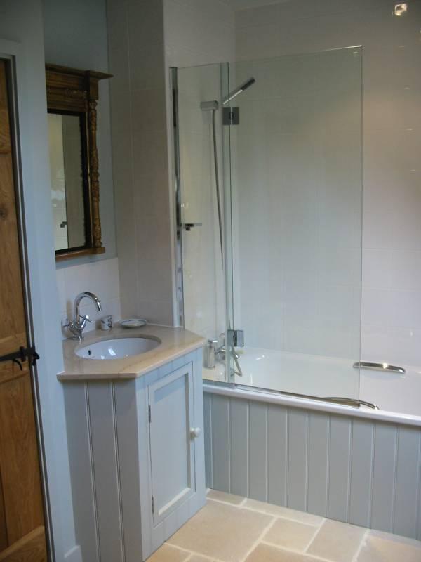 Foxglove Bathroom